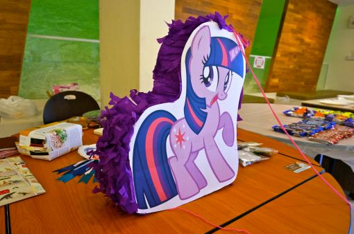 Homemade pinata - K was especially delighted as we couldn't find a nice Rainbow Dash pinata anywhere.